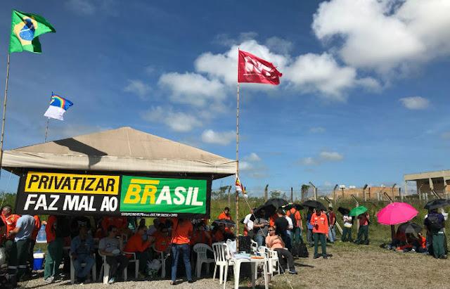 Petroleiros cruzam os braços e programam atos no estado