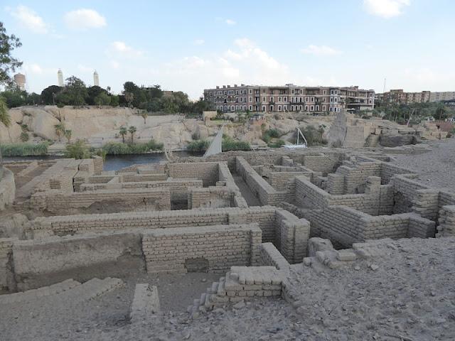 isola elefantina case romane