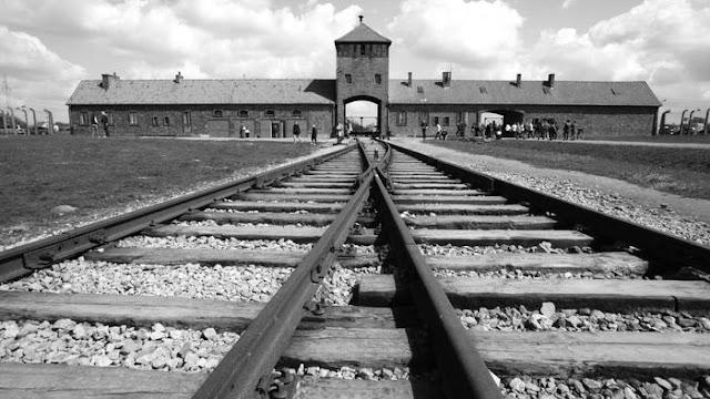 20 mai-Primii prizonieri ajung la Auschwitz