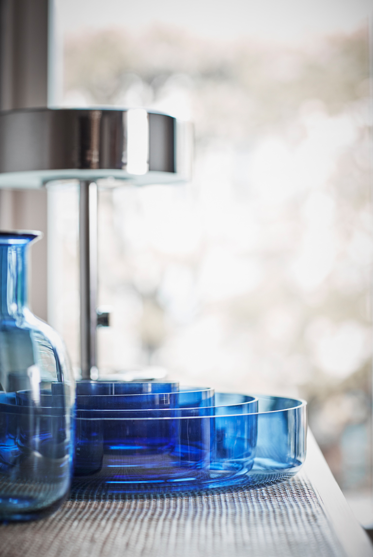 Ikea stockholm vidrio azul detalle