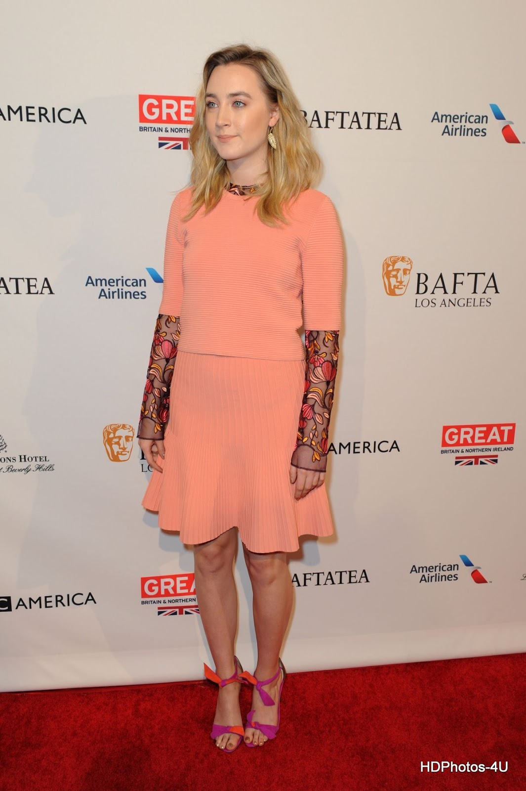 Full HQ Photos of 'Loving Vincent' actress Saoirse Ronan at BAFTA Los Angeles Awards Season Tea in Los Angeles