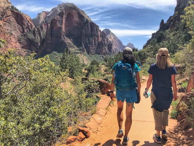 heading down - Angel's Landing