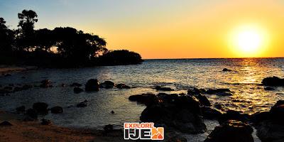 sunrise pantai bama baluran