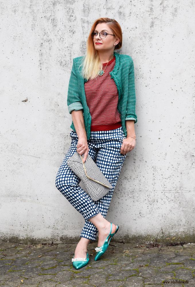 Mustermix und Colorblocking Trend für den Herbst, verschiedene Muster und Fraben kombinieren, Loook für Frauen über 40