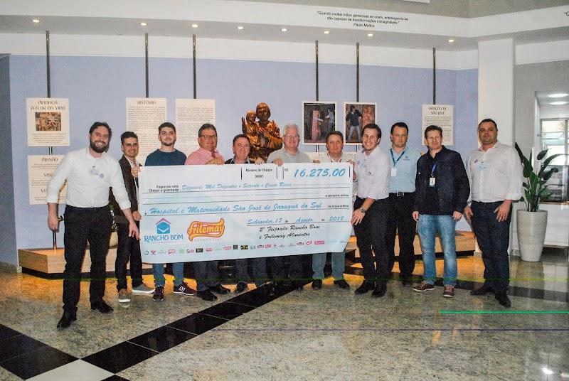 Rancho Bom realiza entrega de R$ 56,3 mil a entidades da região