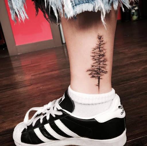 Este maravilhoso tornozelo tatuagem