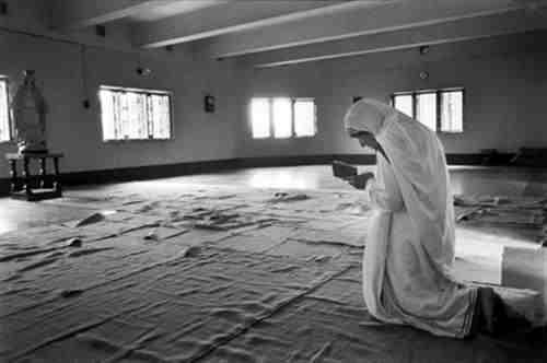 Mẹ Têrêsa Calcuta bằng lòng chịu khô khan 50 năm để xin ánh sáng cho các linh hồn tăm tối