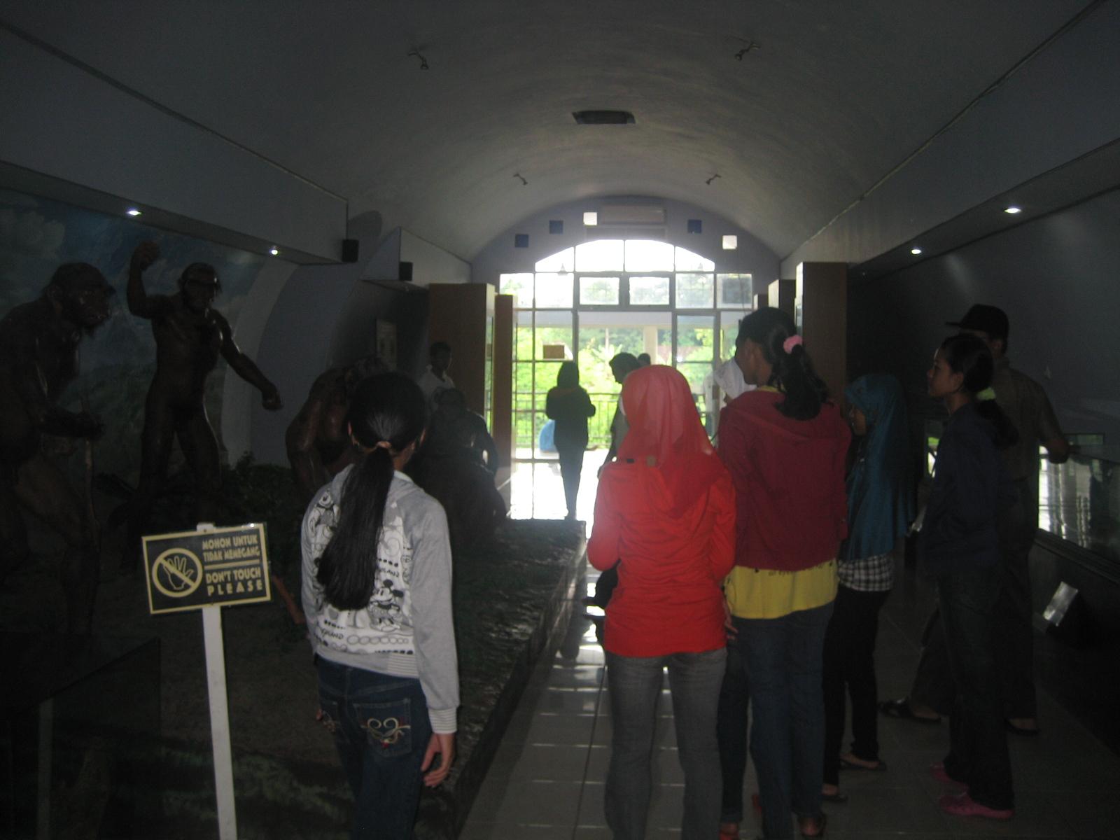 Suasana di dalam Museum Sangiran. dc07b290db