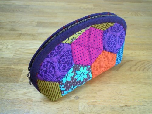 How to make cosmetic bag patchwork. DIY Tutorial in Pictures.