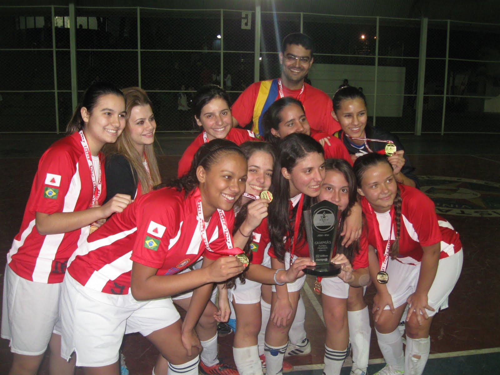 As meninas da equipe de futsal sub-17 do Colégio Batista Mineiro  conquistaram acb1e8c926879