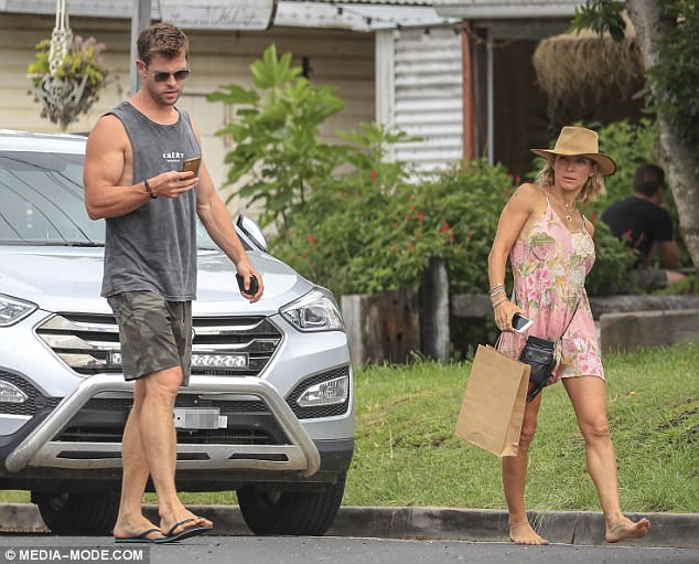 Chris Hemsworth And Elsa Pataky Are Still In Australia For The Holidays