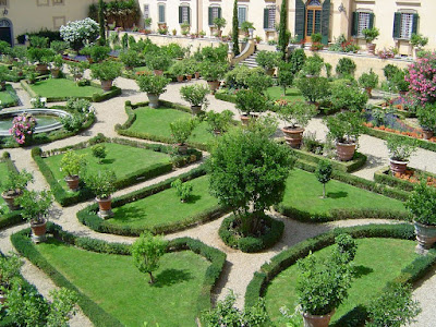 The giardino all'italiana of Villa Poggio Torselli