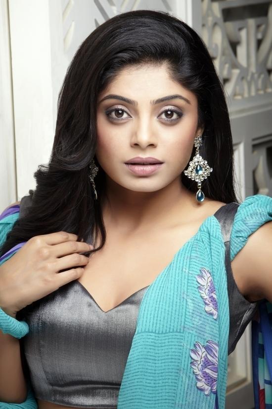 Unseen Tamil Actress Images Pics Hot: Ramya Barna sexy