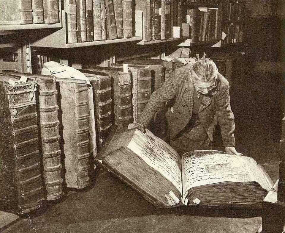 http://3.bp.blogspot.com/-z53CFeza7FY/UtsRr6hymmI/AAAAAAAAXHw/r89oVaWT3y8/s1600/grandes+libros+para+lectores+exigentes.jpg