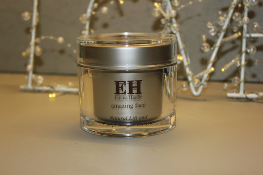 REVIEW - Emma Hardie Natural Lift and Sculpt Body Scrub