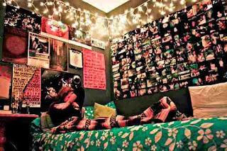 kamar tidur anak perempuan penuh cahaya dan foto