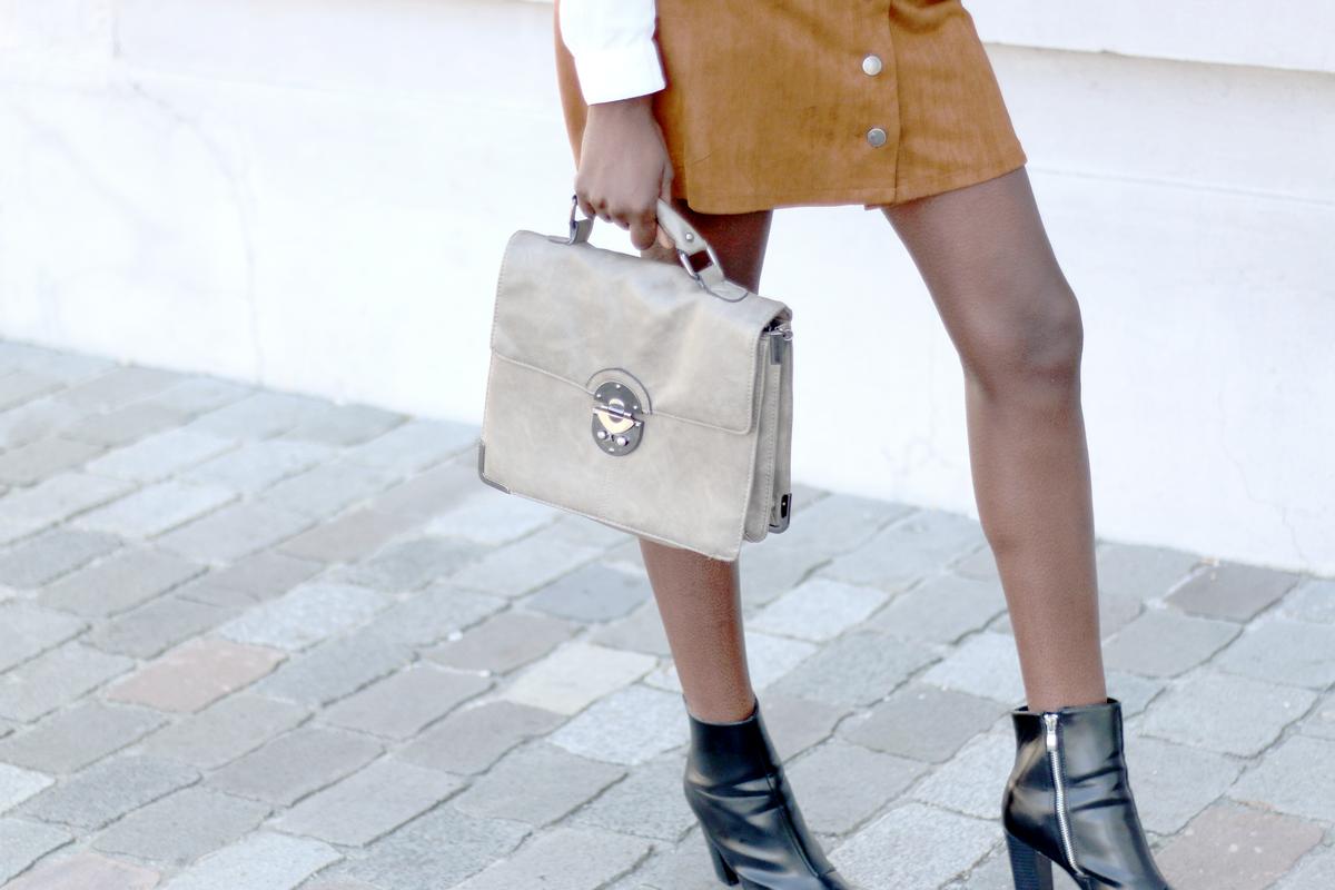bordeaux, blog mode, blog mode bordelais, blogueuse mode, blogueuse mode noire, suede skirt, jupe en suédine, olivia blogueuse, blogueuse mode bordelaise