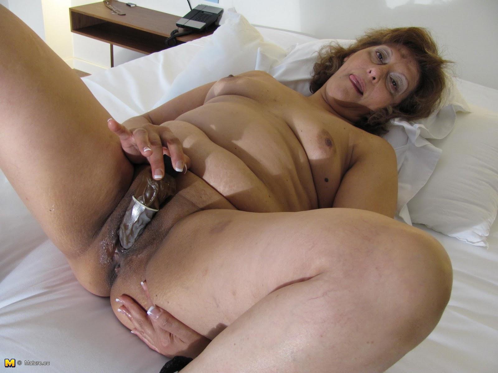 Granny latina