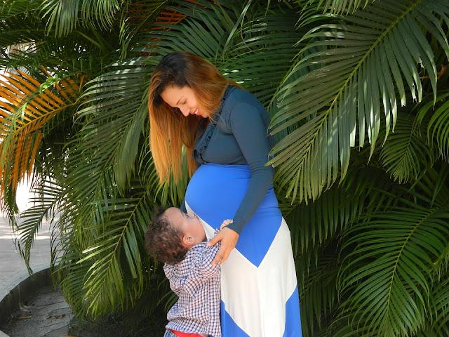 Image: Famllia Pregnancy Kiss Mother, by Johana Breto on Pixabay