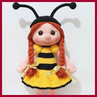 Muñeca abeja amigurumi