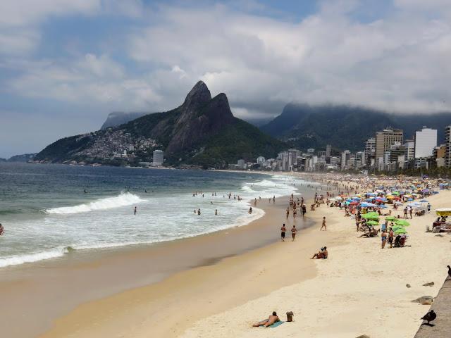 Things to do in Rio de Janeiro: Visit Ipanema Beach