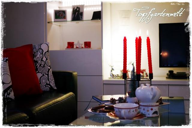 Wohnzimmer mit Weihnachtsdeko