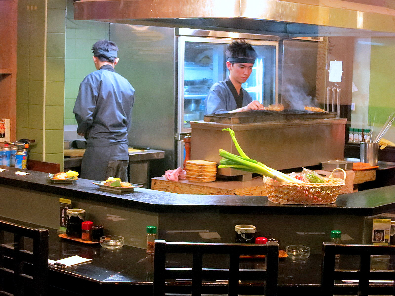 Sango At Pj S Crystal Crown Hotel Offers An A La Carte Buffet For Dinner Rm68 But Having Food Cooked To Order Can Sometimes Fuel Frustration
