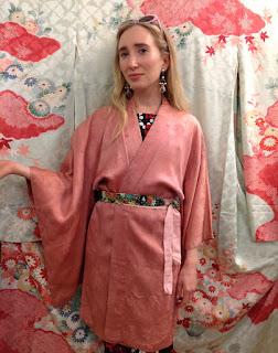 lady pink vintage short kimono robe