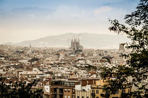 Cómo comprar y vender un edificio en Barcelona