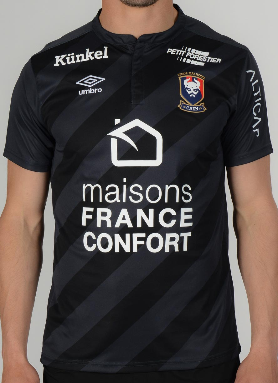 Psg black and pink jersey - Both The Kit Supplier And Badge Are New At Caen As Umbro Supply The Club With A Clean Set For The 16 17 Season