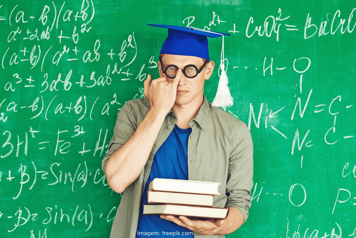 Me formei em Matemática e agora? Devo ensinar em escola pública ou privada?