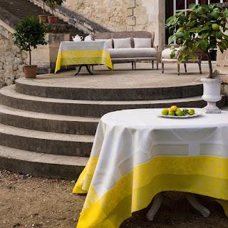 Jardin Royal. Le Jacquard Francais. Mantel