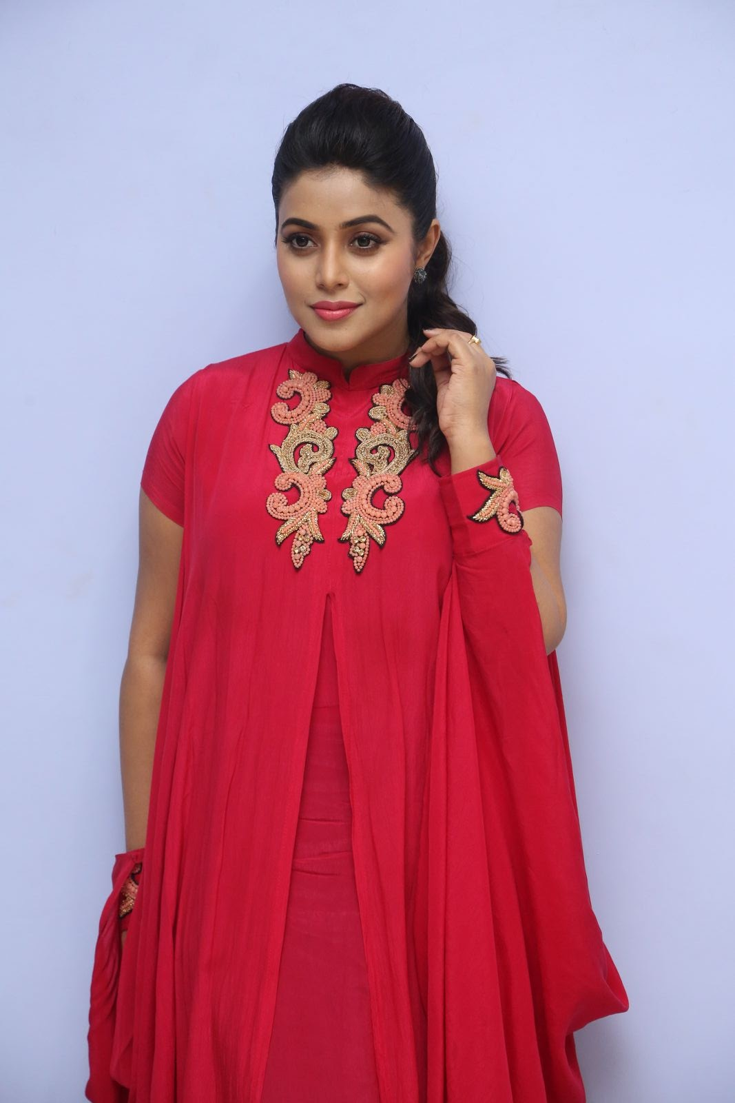 poorna new glamorous photos-HQ-Photo-2