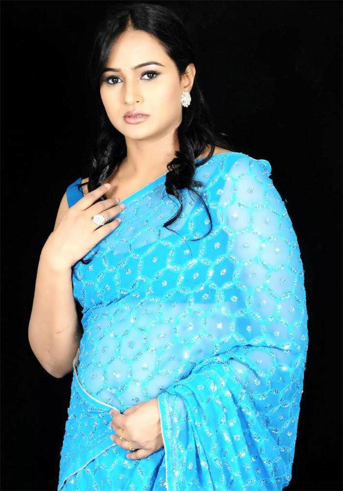Actress Singer Anupama Romantic Blue Saree Stills Latest Indian Hollywood Movies Updates Branding Online And Actress Gallery