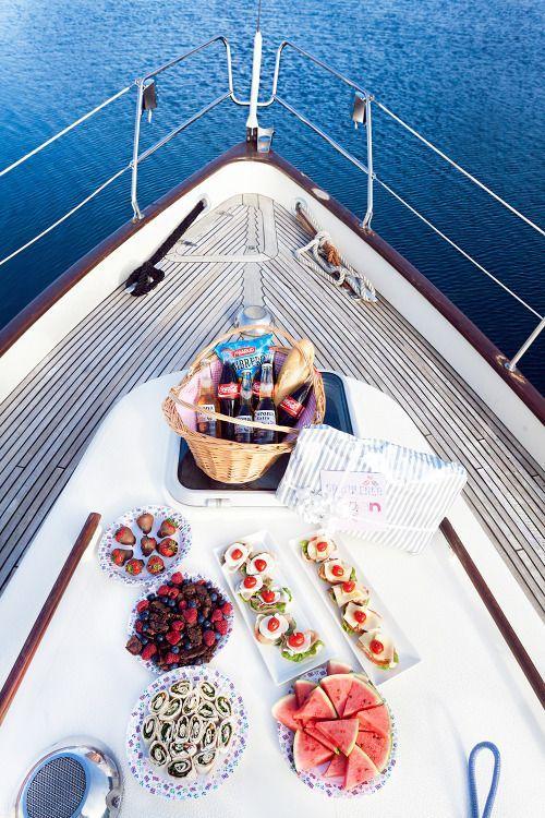 qué-hacer-en-ibiza-boat-party