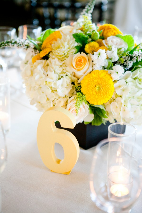 5 centros de mesa para boda con flores amarillas centros de mesa - Centro de mesa con flores ...