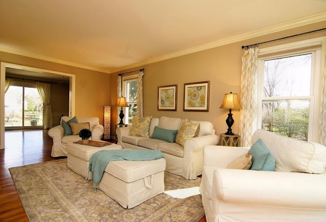 Four Seasons Style: Moving....And the power of Staging a home!