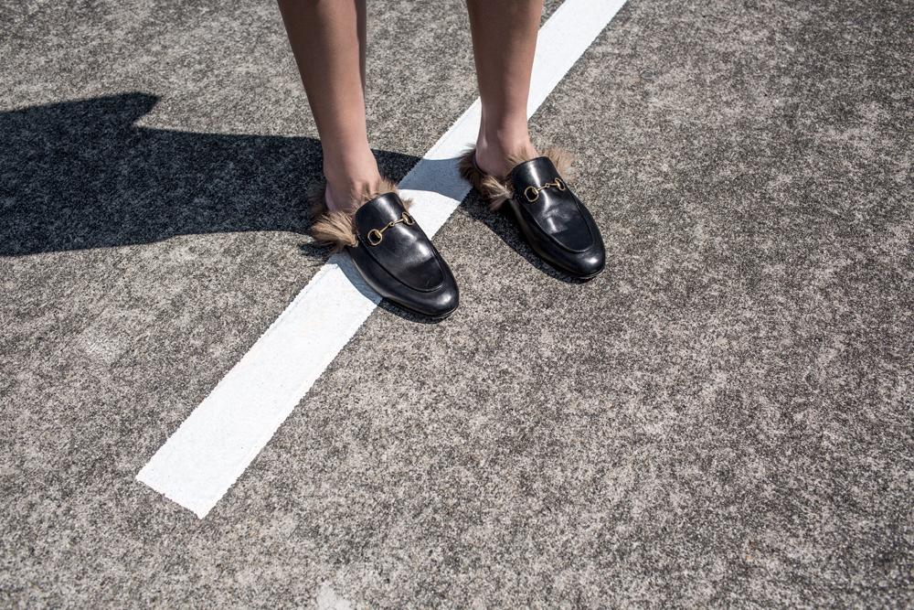 black gucci fur loafers oracle fox fashion blogger