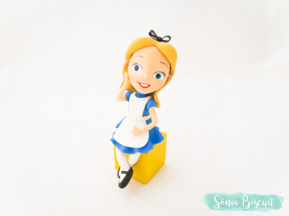Alice no Pais das Maravilhas, Biscuit, Chapeleiro, Topo de Bolo