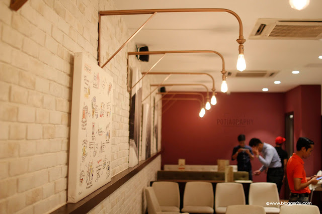 Dekorasi di dalam Restoran Wafflemeister Bangsar