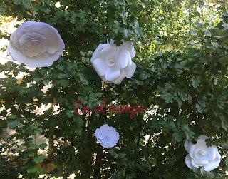 flores en papel para decorar bodas papel flowers wedding decoration fleurs en papier pour decoration mariage