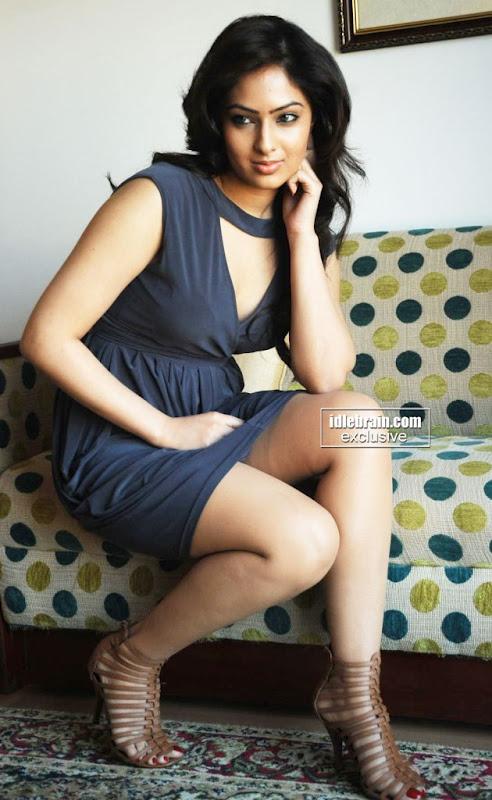 Charming tamil actress NIKISHA PATEL