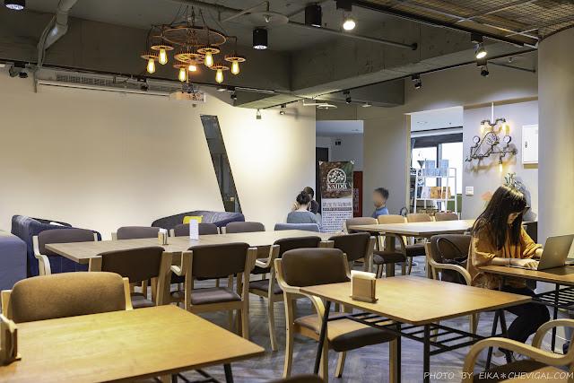 MG 8045 - 台中最新高空咖啡廳,20樓輕鬆坐看台灣大道夜景,不用百元還有WIFI、插座可使用