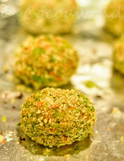 Baked Cheese stuffed Quinoa Carrot Broccoli Bites