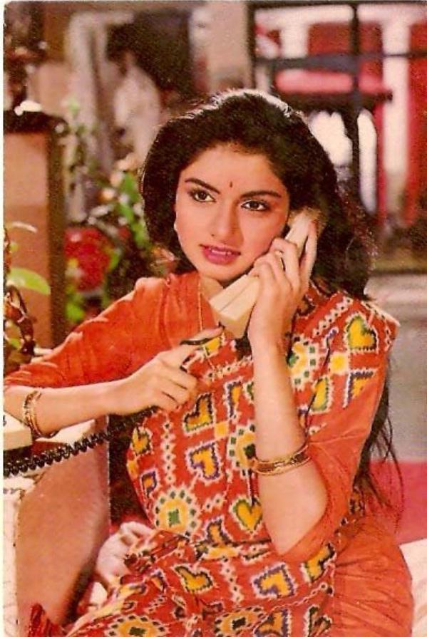 Girl In Saree Hd Wallpaper Film Star Picture Indian Bhagyashree Patwardhan Gallery