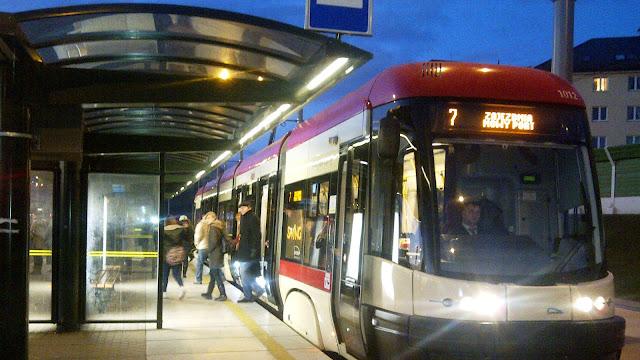 Pętla tramwajowa Łostowice: Bubel czy nowoczesny węzeł komunikacyjny? - Czytaj więcej »