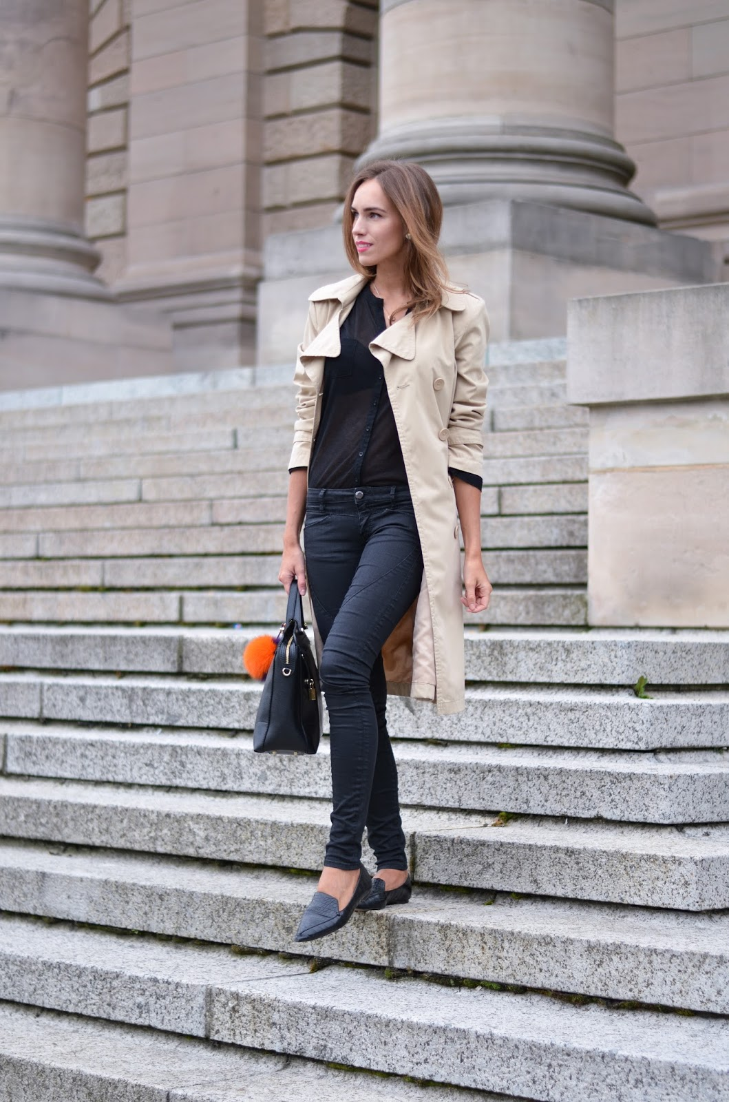 kristjaana mere trench coat black jeans black shirt summer outfit