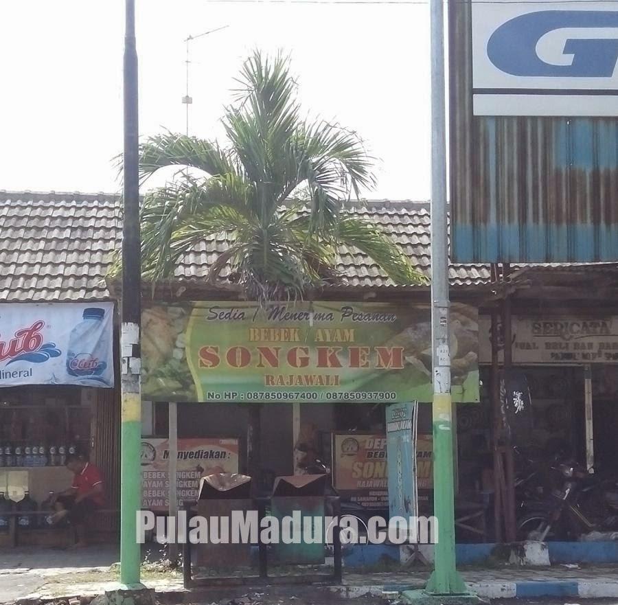 Lokasi warung bebek Songkem Sampang Madura