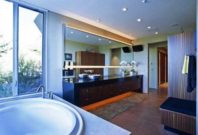 Spacious Bathrooms Decor 6
