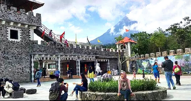 The Lost World Castle Cangkringan